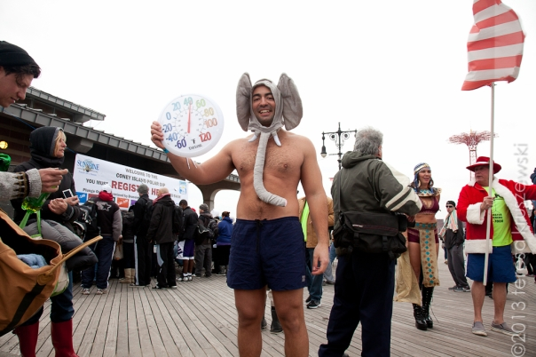 010113_ConeyIsland New Years Day Polar Bear Swim_3259