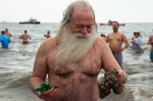 010113_ConeyIsland New Years Day Polar Bear Swim_3391
