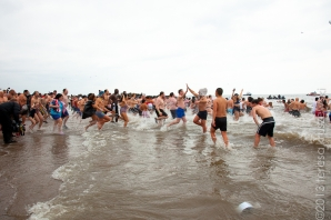 010113_ConeyIsland New Years Day Polar Bear Swim_3429