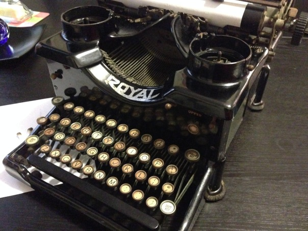 View 1 Royal Typewriter